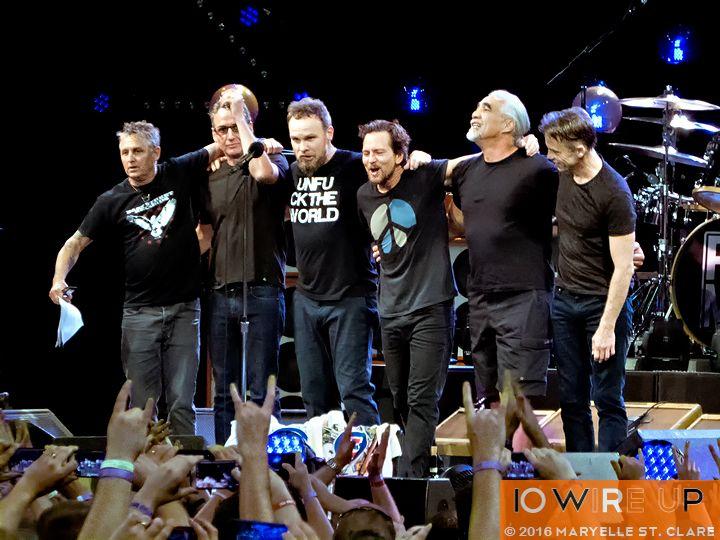 21 Apr 2016: Pearl Jam at Colonial Life Arena, Columbia, SC.