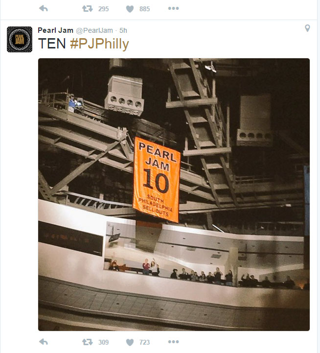 Pearl Jam Philadelphia 10th sellout banner